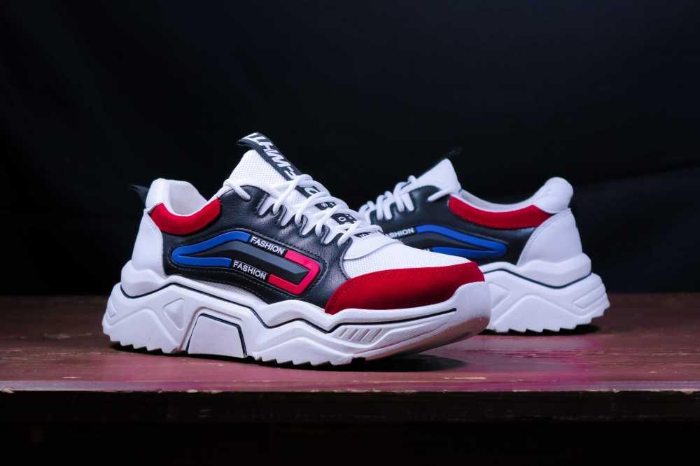 Q16 shoes